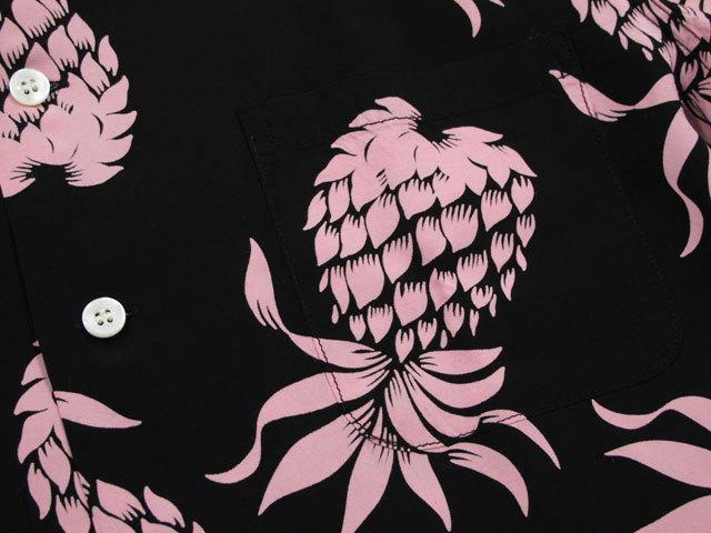 """アロハシャツのモチーフの中でも、非常に人気の高い パイナップル・デザイン★DUKE KAHANAMOKU,デュークカハナモク,L/S RAYON ALOHA SHIRT""""DUKE'S PINEAPPLES"""",デュークス・パイナップル柄、長袖レーヨンアロハシャツ,ハワイアンシャツ,BLACK(ブラック),DK26793"""