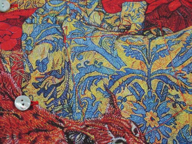 """アロハをこよなく愛する著名人のデザインによる、KEONIシリーズの最新作!アーティスト、横尾美美氏の作品,KEONI OF HAWAII,ケオニオブハワイ,""""LOUNGE AROUND"""" by MIMI YOKOO, 165)RED(レッド),SS38200"""
