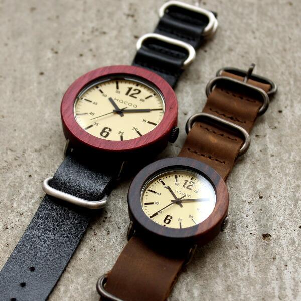 木枠とベルトを組み合わす事ができる着せ替えタイプのナトースタイル腕時計。