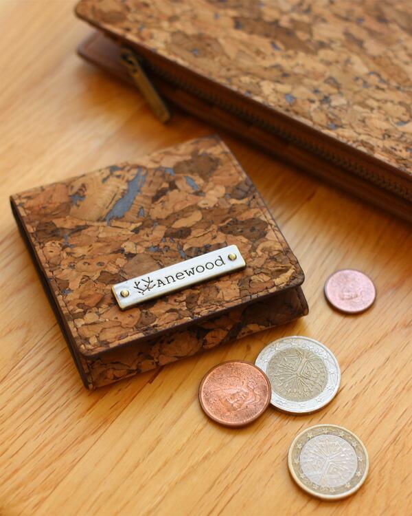 コルクレザーのコンパクトなコインケース・小銭入れ「CONNIE Square Coin Purse」