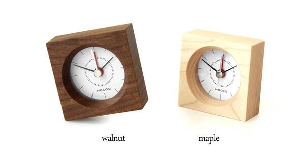 ウォールナットとメープルの天然木を使った目覚まし時計