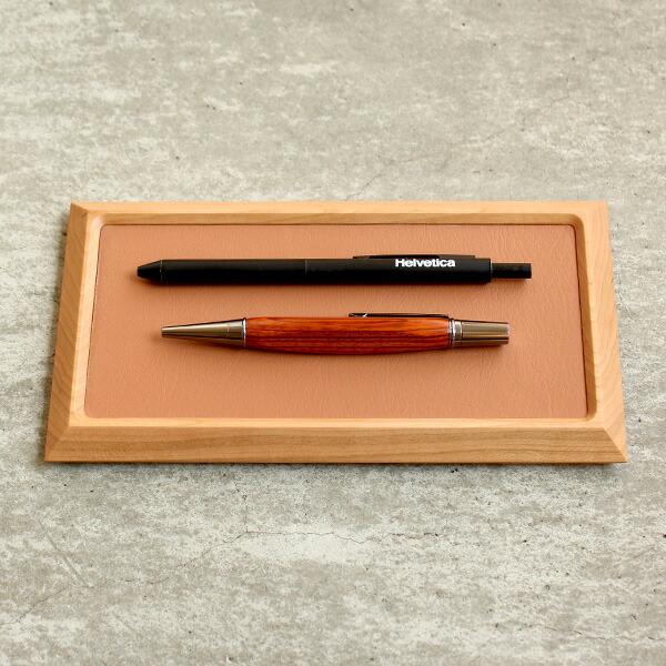 ペンや万年筆など文房具・ステーショナリートレイとしてもお使い頂けます。