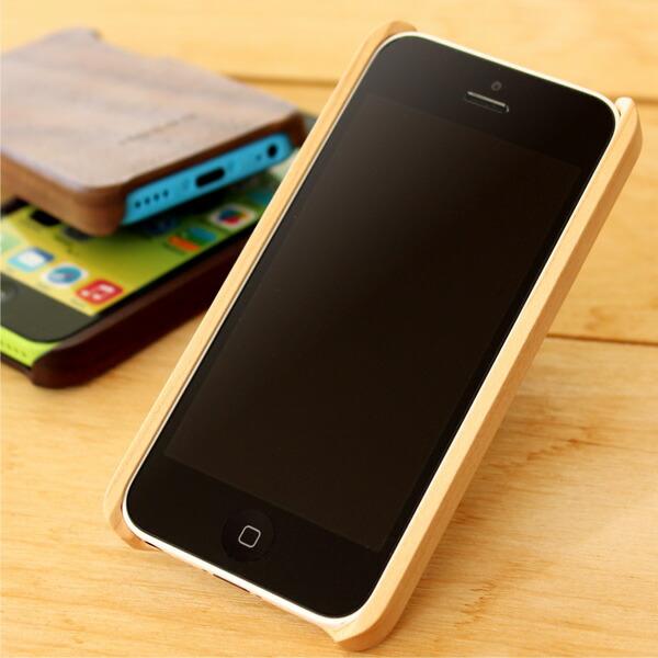 iPhone5cにフィットするよう職人の手で仕上げています