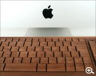 木をタイピング、木製でできたキーボード