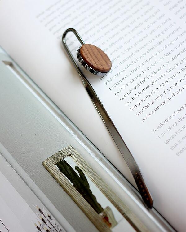 金属のしおりに銘木をプラスしたブックマーク「BOOKMARK」