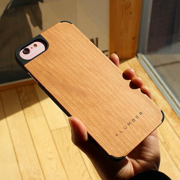 天然木の手触りと自然の木目が楽しめるアイフォン6専用のハードケース