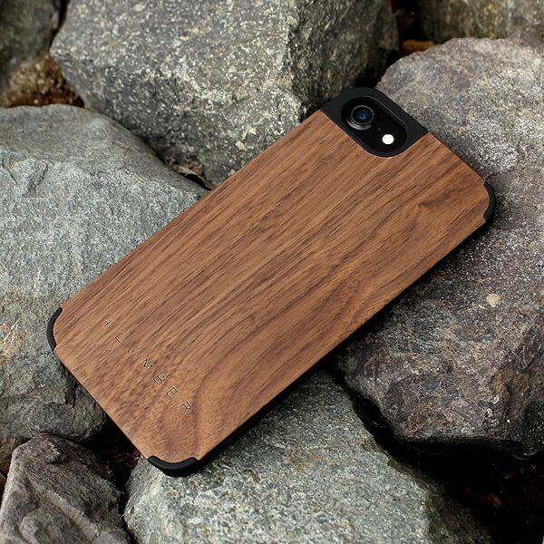 天然木の手触りと自然の木目が楽しめるアイフォン7専用のハードケース