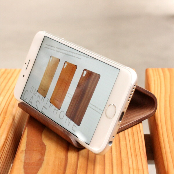 WEBページや動画を観るのに最適な木製スマホスタンド
