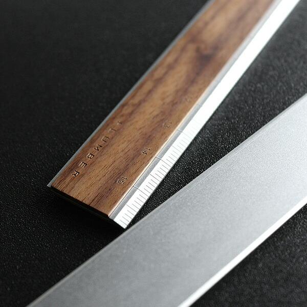 木の魅力をプラスした定規・ものさし。表にはメープル・ローズウッドの銘木、裏は丈夫なアルミで仕上がっています。