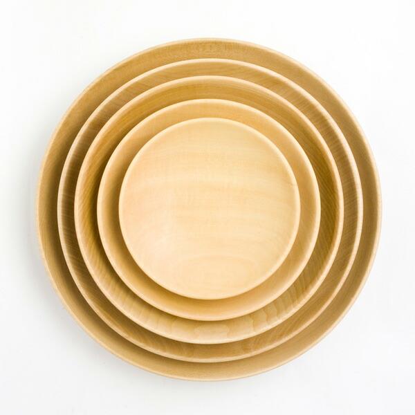 スタッキングも出来る木製の食器