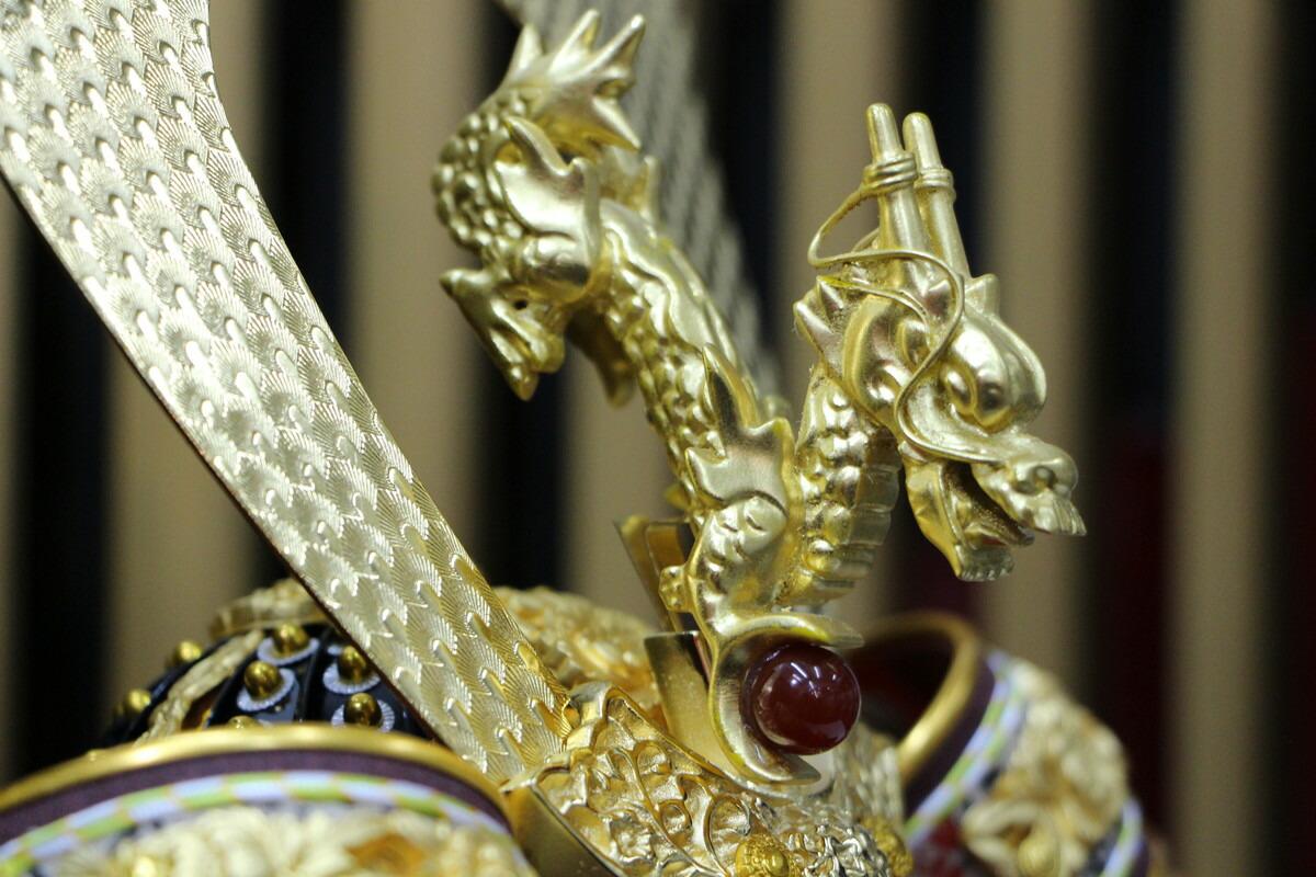 平安光雲作8号飛翠兜正絹赤糸縅本金箔押小札五月人形兜平飾り櫃付き五月人形