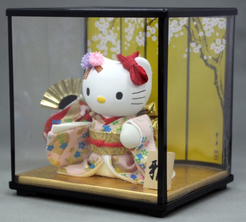はろうきてぃ日本人形ケース付(扇子)