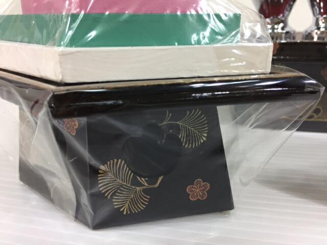 35号木製菱高三宝3点セット松葉蒔絵付木製高級お道具雛道具揃訳あり特価