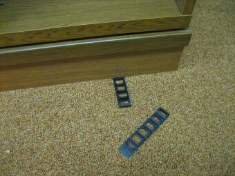 収納家具 水平設置用樹脂製傾き調整板