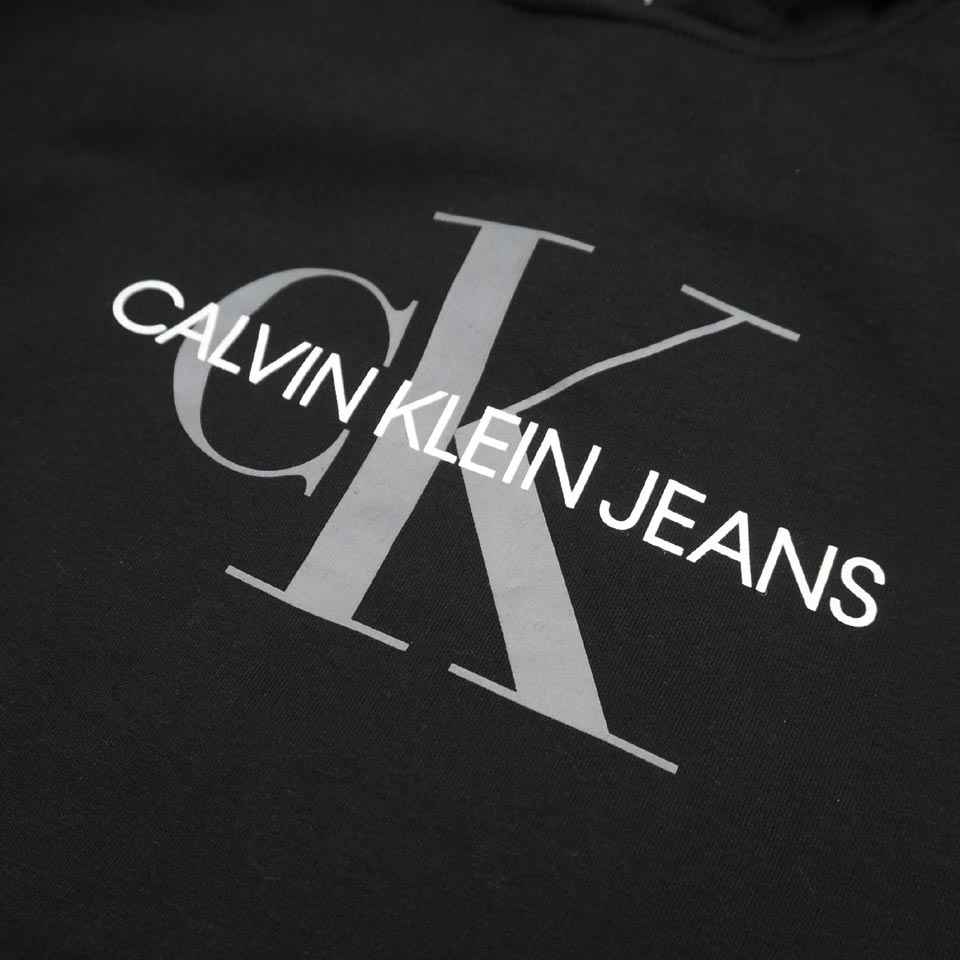 CALVIN KLEINのパーカー