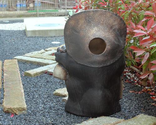 信楽焼の狸/陶器のたぬき