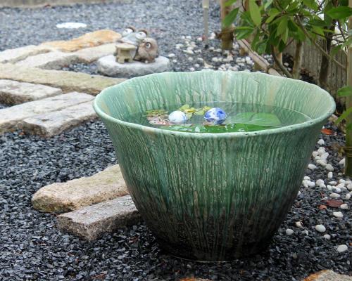 信楽焼の水鉢/陶器の睡蓮鉢