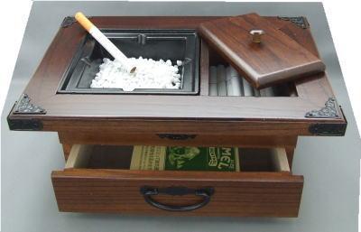 キセルやタバコ全般にご利用頂ける和風灰皿です。