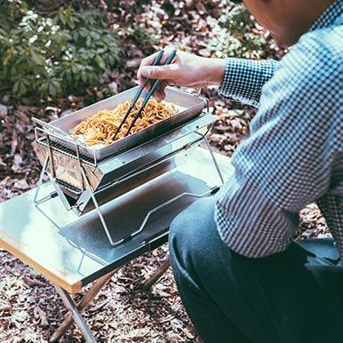 ユニセラTGシリーズ用のグリルプレートを使って焼きそばを調理しました。