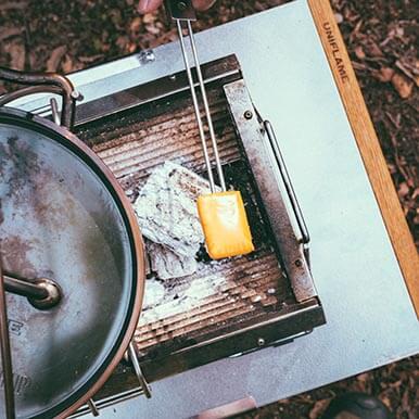 ユニセラブリッジをつけるとなんとダッチオーブンまで調理が可能になります!