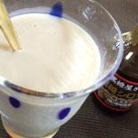黒糖シロップをミルクに