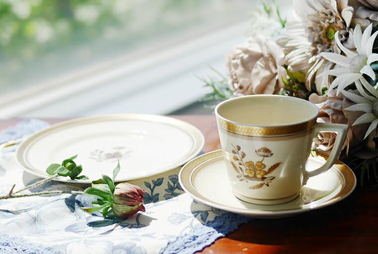 アンティーク品のカップ