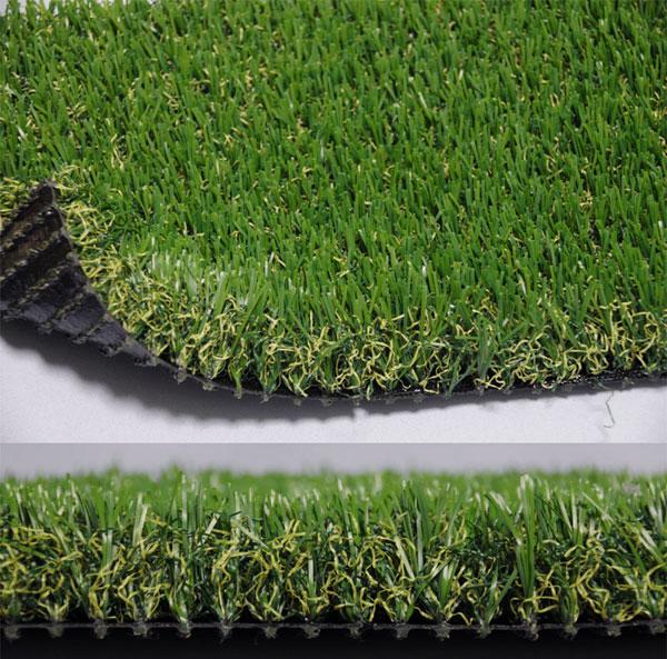 毛足の長い人工芝