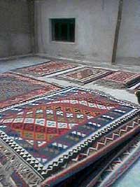 キリム洗いの順番待ち キリム&ペルシャ絨毯専門店オリエンタルムーン