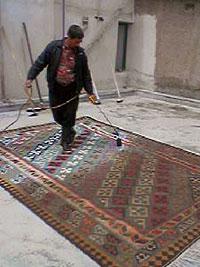 まんべんなく焦げたキリムの表面 キリム&ペルシャ絨毯専門店オリエンタルムーン