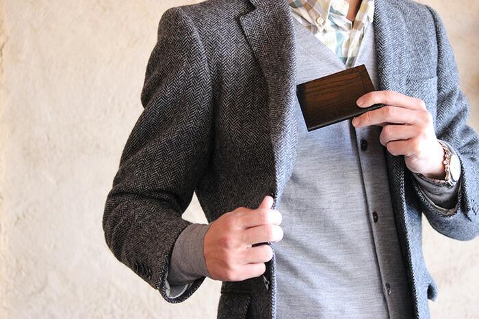 「印籠」をモチーフにした木製カードケース「INRO:」