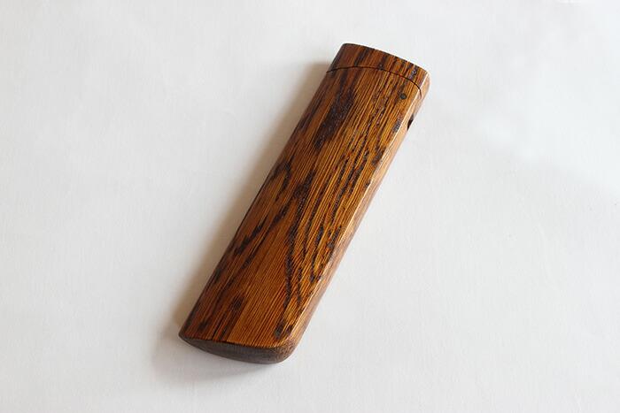 「短刀」をモチーフにした木製ペンケース「TANTO:(拭き漆塗)」