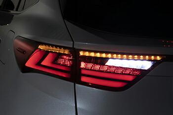 全てに高輝度LEDを採用したオールLEDモデル