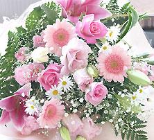 優しい 色合い ピンク 花束