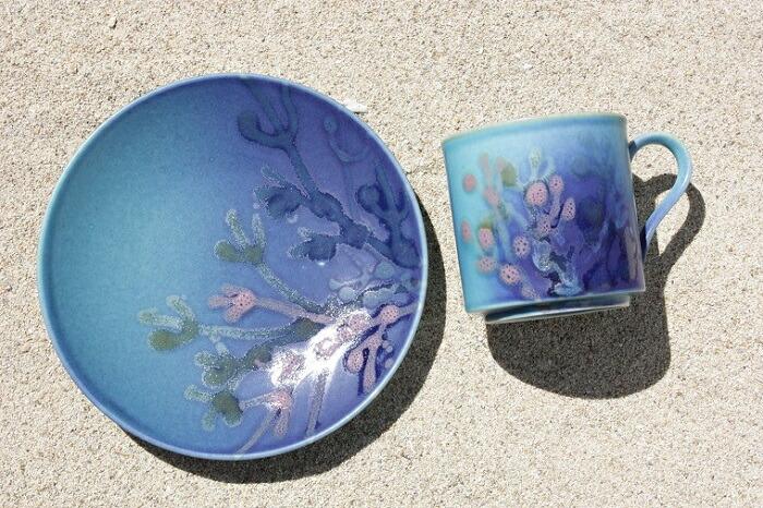 珊瑚のカップ&ソーサー