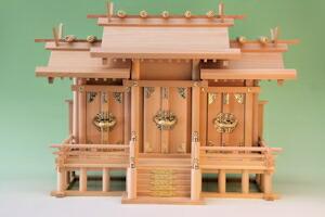 神明神殿三社(中)