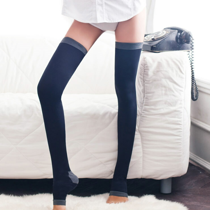 how to put on pantyhose without snagging