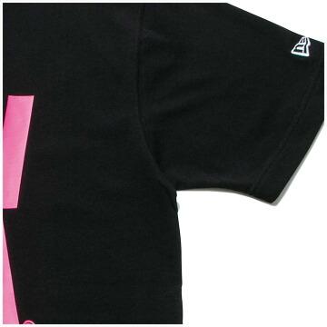 C)ブラック/蛍光ピンク