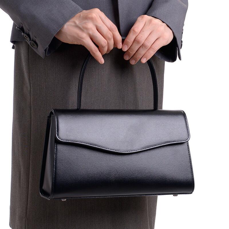 アウローラのおすすめフォーマルバッグ、本革ブラックフォーマルバッグ