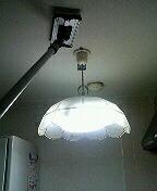油で汚れやすい台所の壁や天井のビニール壁紙に