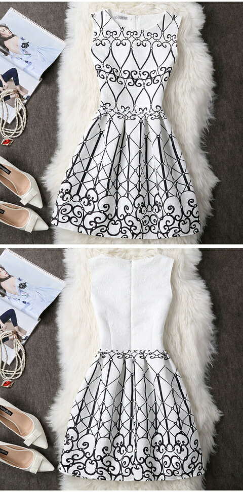 9cc80a3128b White   black pattern. Size M Length 81. Width of the shoulders 32. Bust  86. Waist 72. Princess system