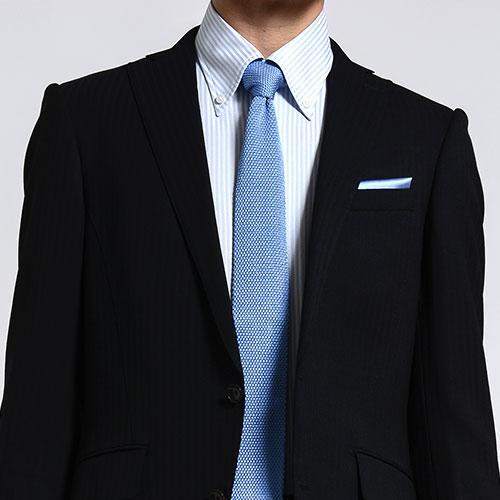 正統派スタイルに、さり気なく品よく!ポケットチーフ