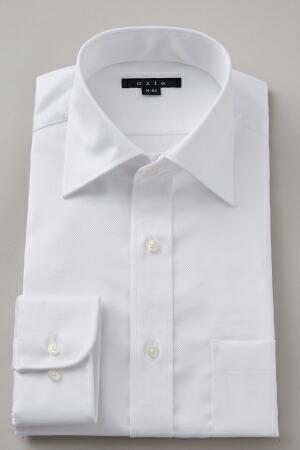 ビジネスシーンに着るワイシャツの襟はセミワイドがおすすめ