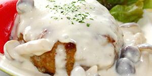 写真:きのこのクリームソースハンバーグ