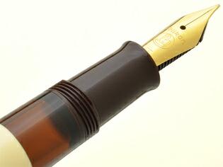 ペリカン 万年筆 特別生産品 クラシック M200 カフェクリーム