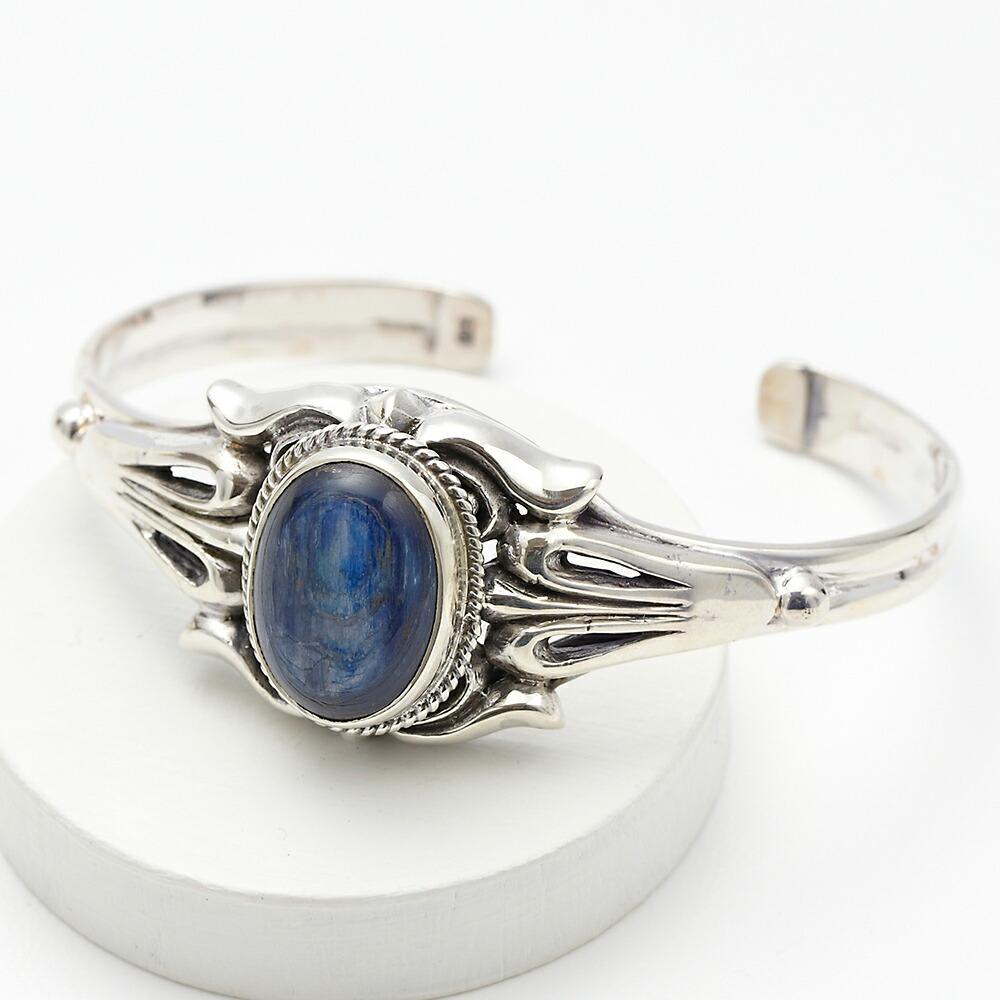 カイアナイトスターリングシルバー メンズバングル 天然石 透かしデザイン 立体 目立つ 存在感 クール 青 ブルー 藍色 腕輪 925 男 ギフト用にも 送料無料
