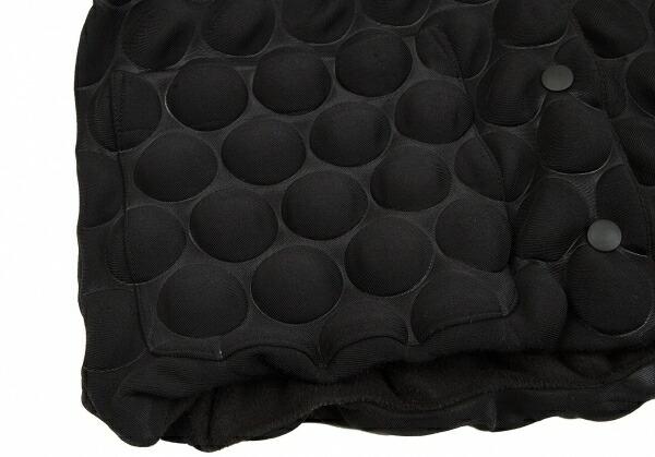 イッセイミヤケISSEY MIYAKE 襟ファードットボンディングジャケット 黒2