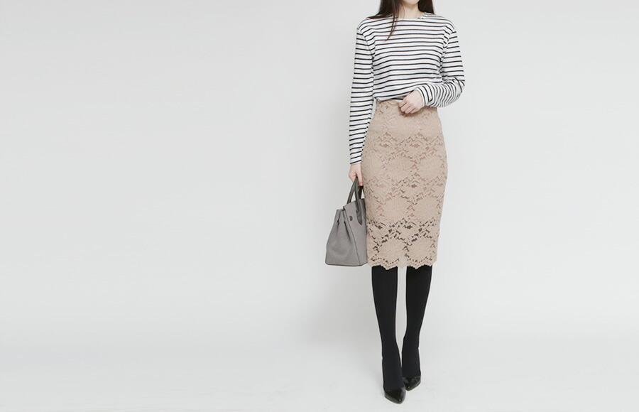 魅力的なフラワーレースでレディライクなタイトスカート