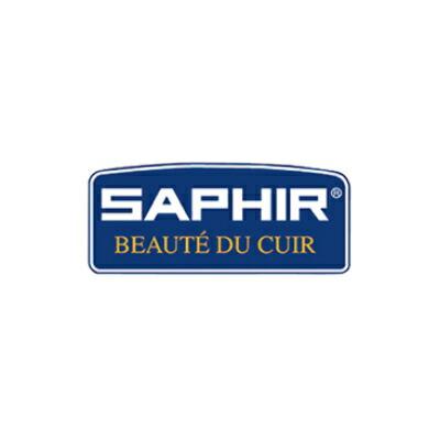 皮革のスペシャリスト達との共同研究によって成長を続け、より現代的な要望に応える形で調合された標準ライン「 SAPHIR サフィール