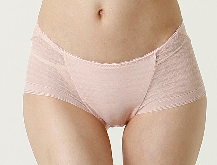 育乳脇肉ノンワイヤーブラジャーのライトピンク色のセットのショーツ