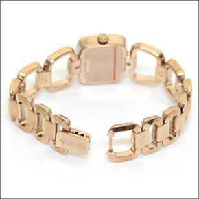 グッチ G-GUCCI コレクション Gのイニシャルがモチーフ。3Pダイヤモンドがダイヤルイン。ラグジュアリーなレディス・ブレスウオッチ YA125512